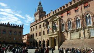 piazza maggiore bologna traveltherapists