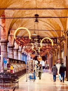 portico bologna traveltherapists