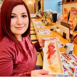 tsukiji market traveltherapists elina sushi
