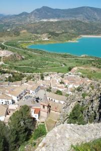 zahara-de-la-sierra andalusia paesi bianchi traveltherapists nationa geograph