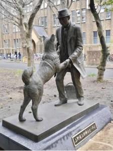 Hachiko shibuya 8 marzo il mio viaggio in Giappone traveltherapists statua università Tokyo