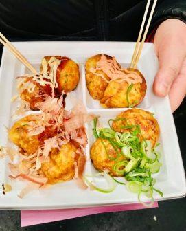 porzione di takoyaki takoyaki-osaka-top-ristoranti-il mio viaggio in giappone miglior blog di viaggio