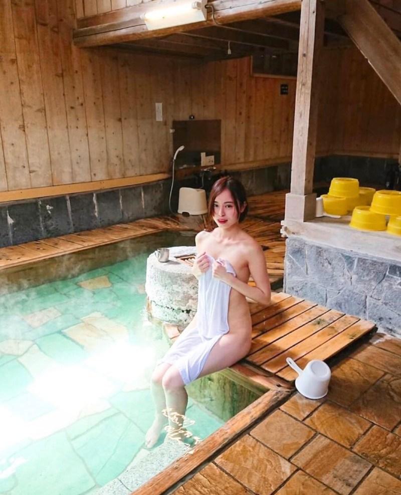 asciugamano mari wada sento Il mio viaggio in Giappone traveltherapists blog giappone elina e marzia blogger miglior blog di viaggio nomadi digitali psicologia del viaggio travel therapy