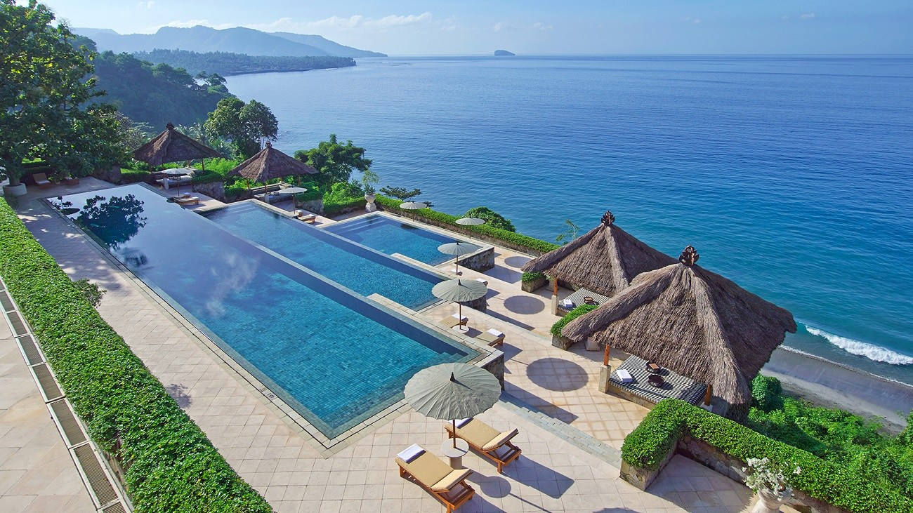 Top 10 Most Amazing Hotel Pools In The World Traveltheworld