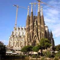 6 Interesting facts about the Sagrada Familia... BARCELONA!