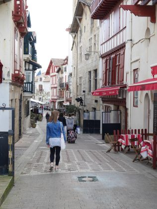 Saint jean de luz Pays basque bayonne france voyage express weekend traveltothemoonandback travel to the moon and back blog