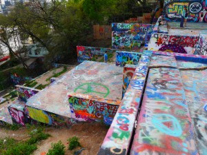 Texas Austin Graffiti park usa travel blog voyage blogger états-unis amérique traveltotthemoonandback travel to the moon and back blog