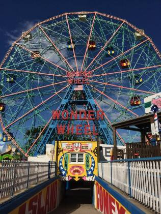 Coney Island brooklyn nyc new york Manhattan usa travel blog voyage blogger états-unis amérique traveltotthemoonandback travel to the moon and back blog