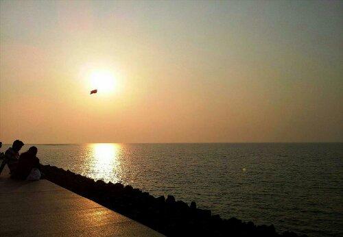 Sunset at Marine Drive, Mumbai