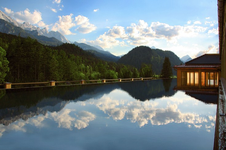 At Schloss Elmau you may choose between different pools (Image Source: The Leading Hotels of the World / lhw.com)