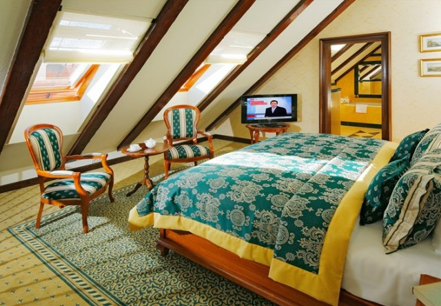 Bedroom of the Maisonette Suite (Image Source: The Leading Hotels of the World / lhw.com)