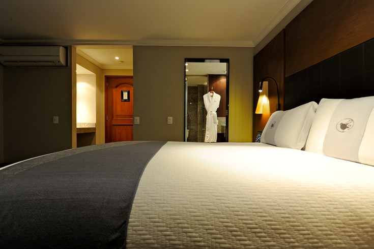 Standard Rooms at Hotel Charleston got more than 30 square meters (Image Source: The Leading Hotels of the World / lhw.com)