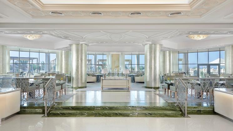 Qasr-Al-Bahar Restaurant (Image Source: Waldorf Astoria Ras Al Khaimah / hilton.com)