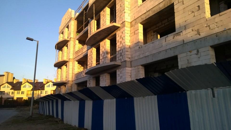 Still building or already abandoned?