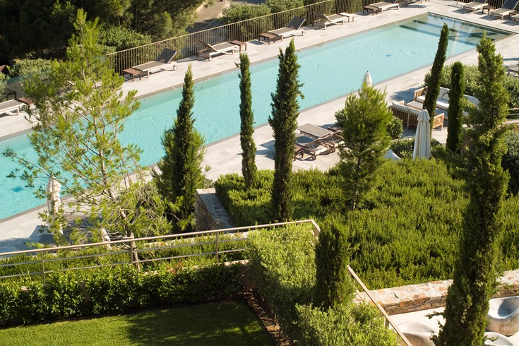 The lap pool for sportive guests(Image Source: The Leading Hotels of the World / lhw.com)