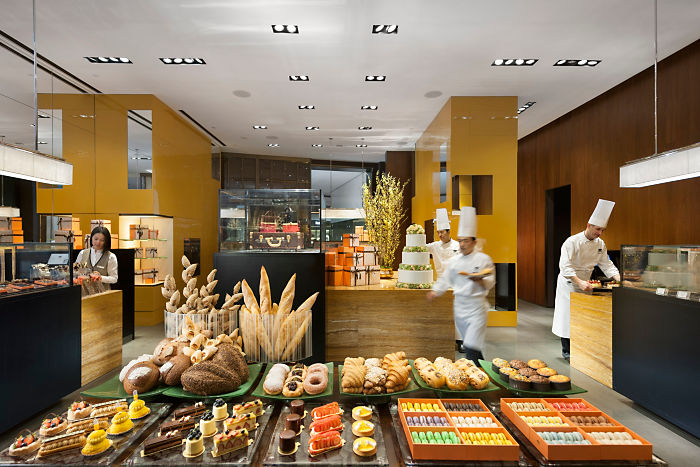 Sweet delights at the Mandarin Cake Shop (Image Source: Mandarin Oriental Guangzhou / mandarinoriental.com)