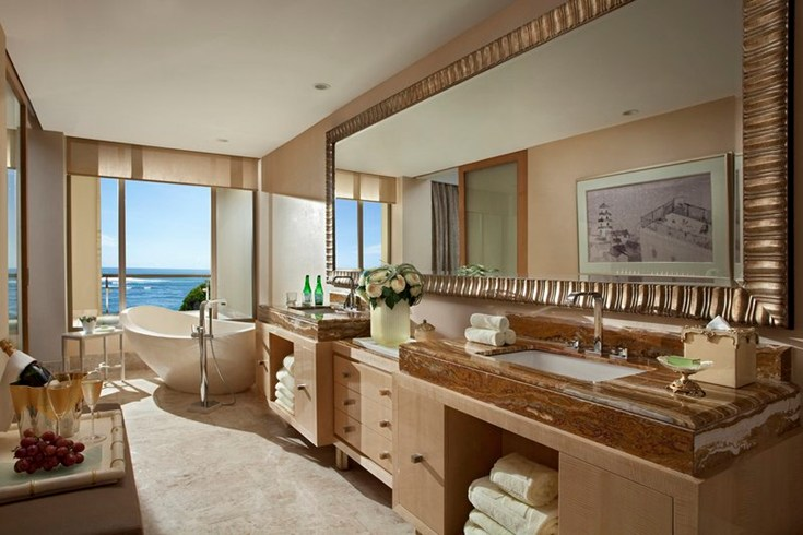 Spacious bathrooms for a luxurious feeling (Image Source: The Leading Hotels of the World / lhw.com)