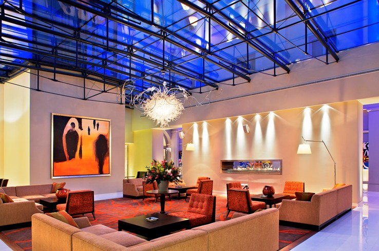 Relaxation may also be found in the airy lobby (Image Source: The Leading Hotels of the World / lhw.com)