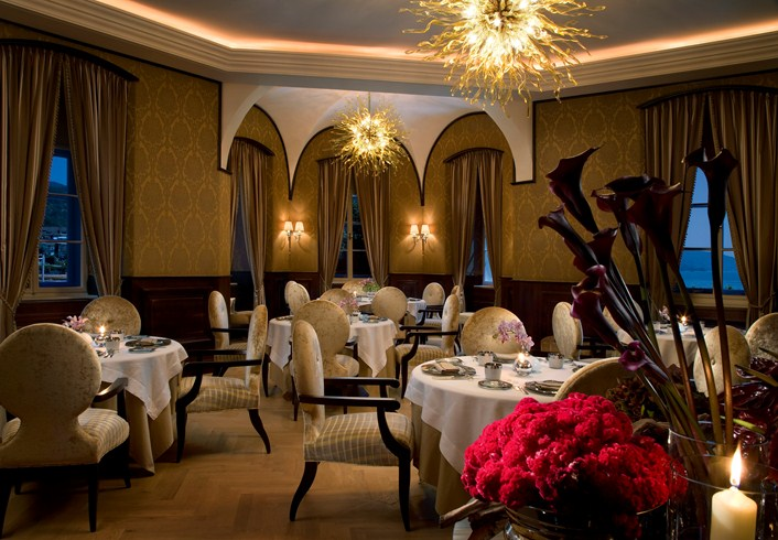 The restaurant has a really nice atmosphere (Image Source: The Leading Hotels of the World / lhw.com)