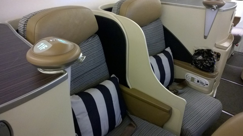 Ethiad Airways seats in the Boeing 777 Business Class