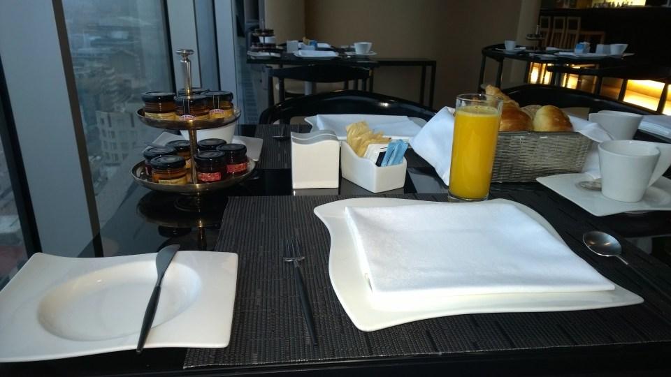 Way better: À la carte breakfast on the rooftop