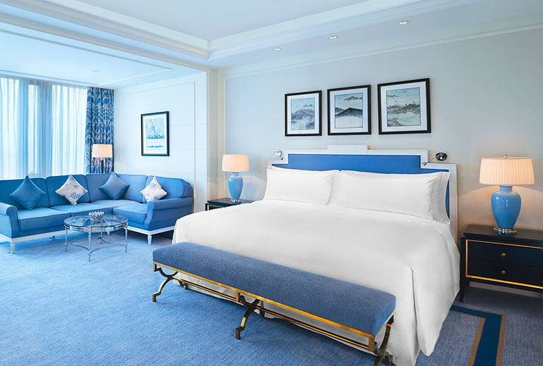 Even the lowest room category offers 60 square meters of space (Image Source: The Azure Qiantang / starwoodhotels.com)