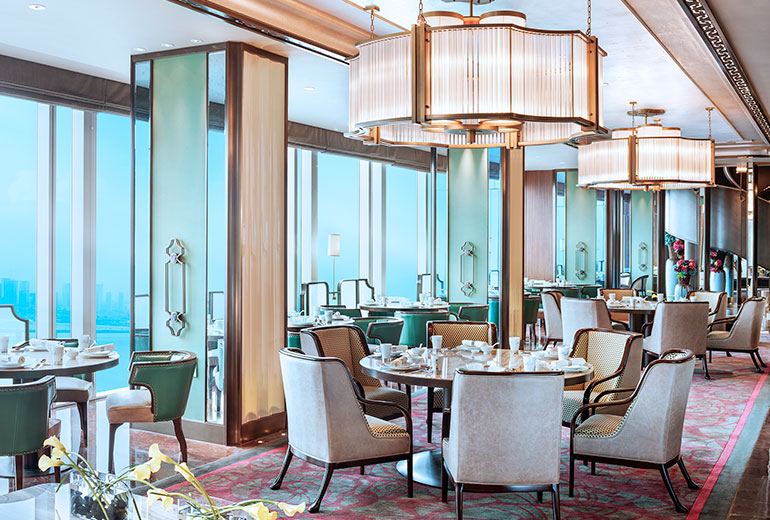 Dinner with a view: The Chinese restaurant Lan Ting (Image Source: The Azure Qiantang / starwoodhotels.com)