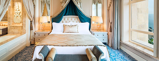 Deluxe Room (Image Source: The Castle Hotel Dalian / starwoodhotels.com)