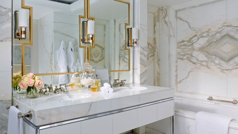 Bathroom Observatory Suite (Image Source: The Langham Sydney / langhamhotels.com)