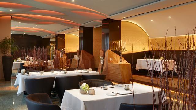 Restaurant focus (Image Source: Park Hotel Vitznau / parkhotel-vitznau.ch)