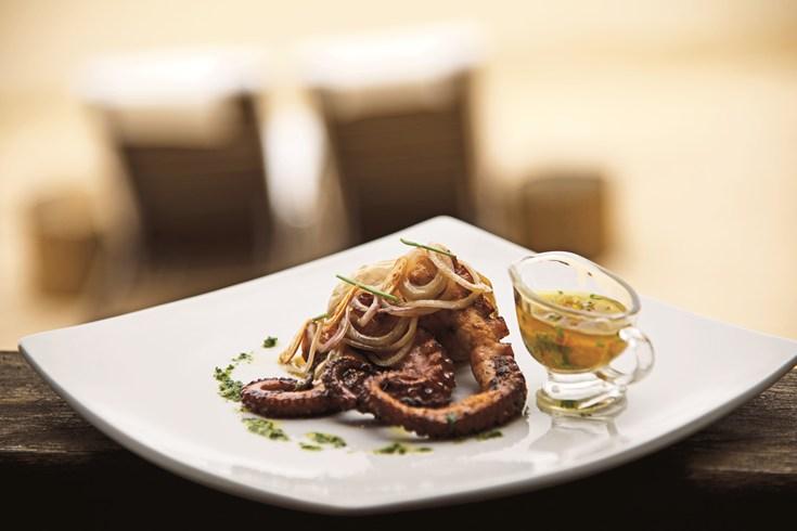 Ponta dos Ganchos Resort Restaurant