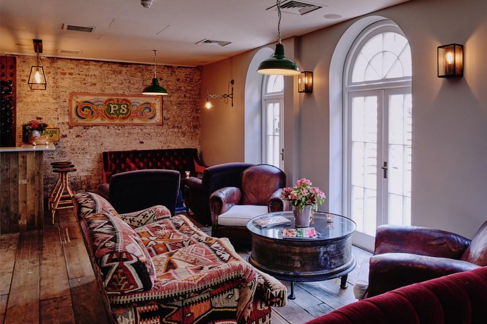 Artist Residence London Lounge