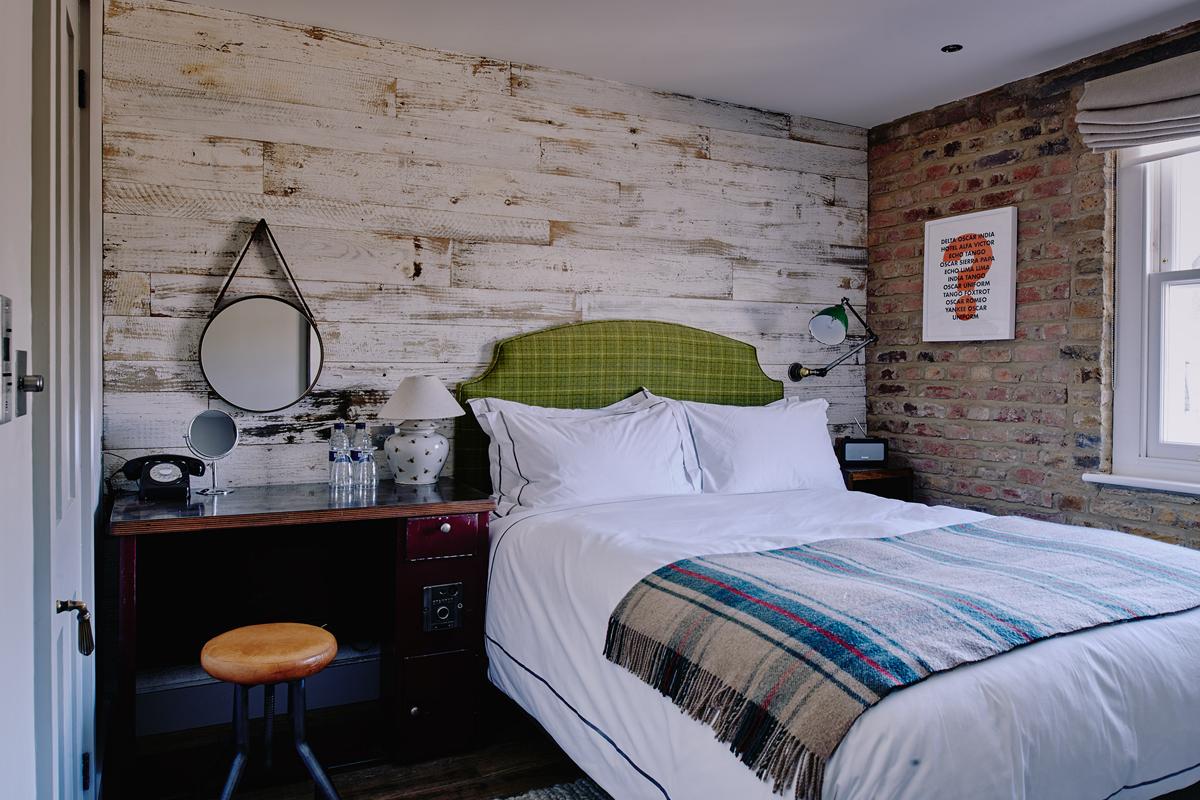 Artist Residence London Small Plus Room