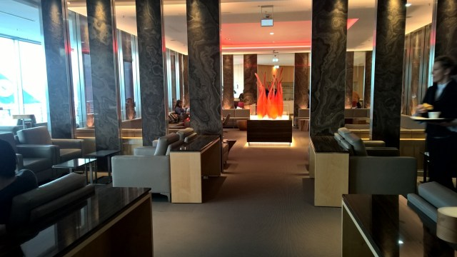Maple Leaf Lounge Frankfurt Seating