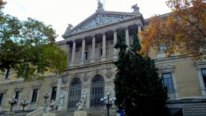 Running in Madrid Biblioteca Nacional