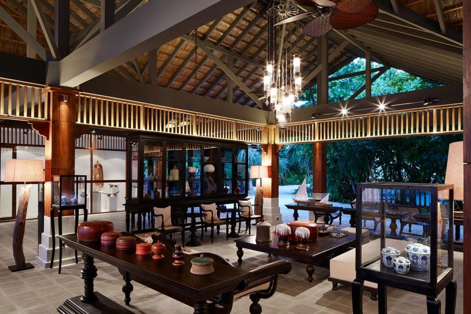 Loama Hotel Maldives Lobby