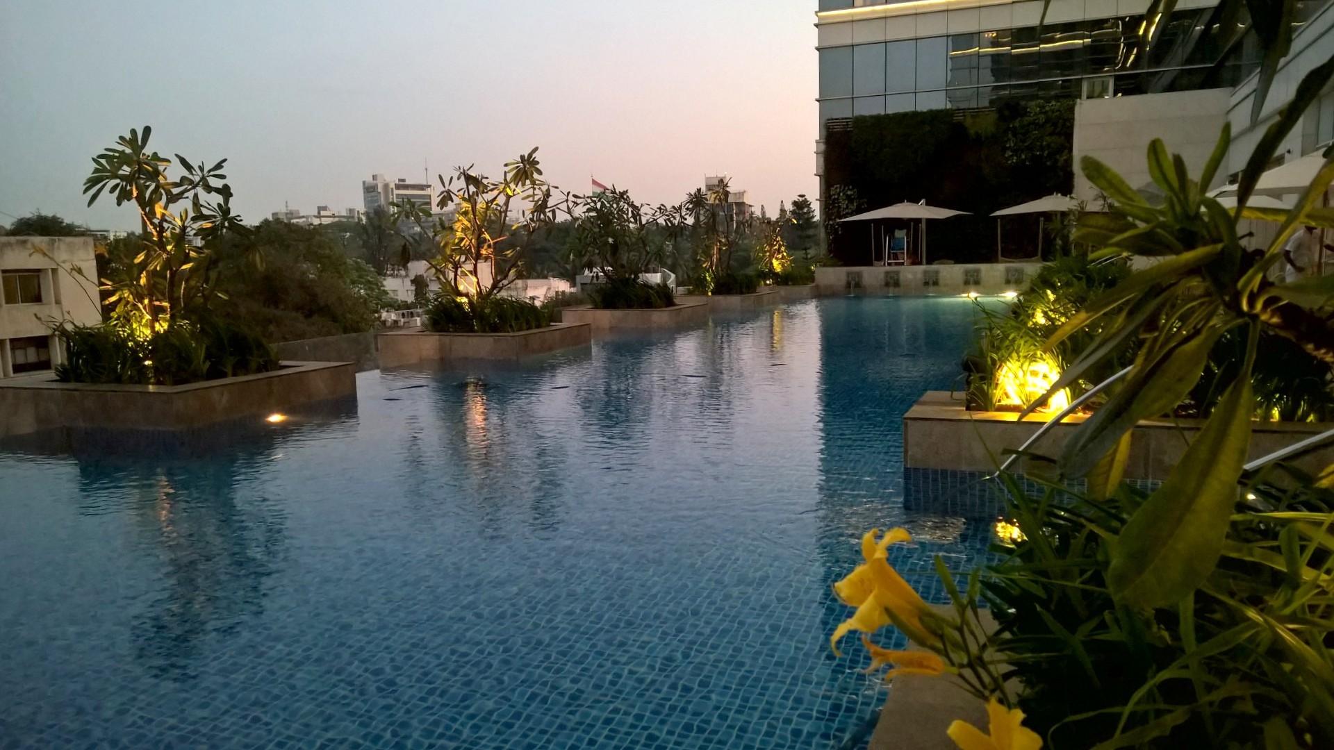 Shangri-La Bengaluru Pool