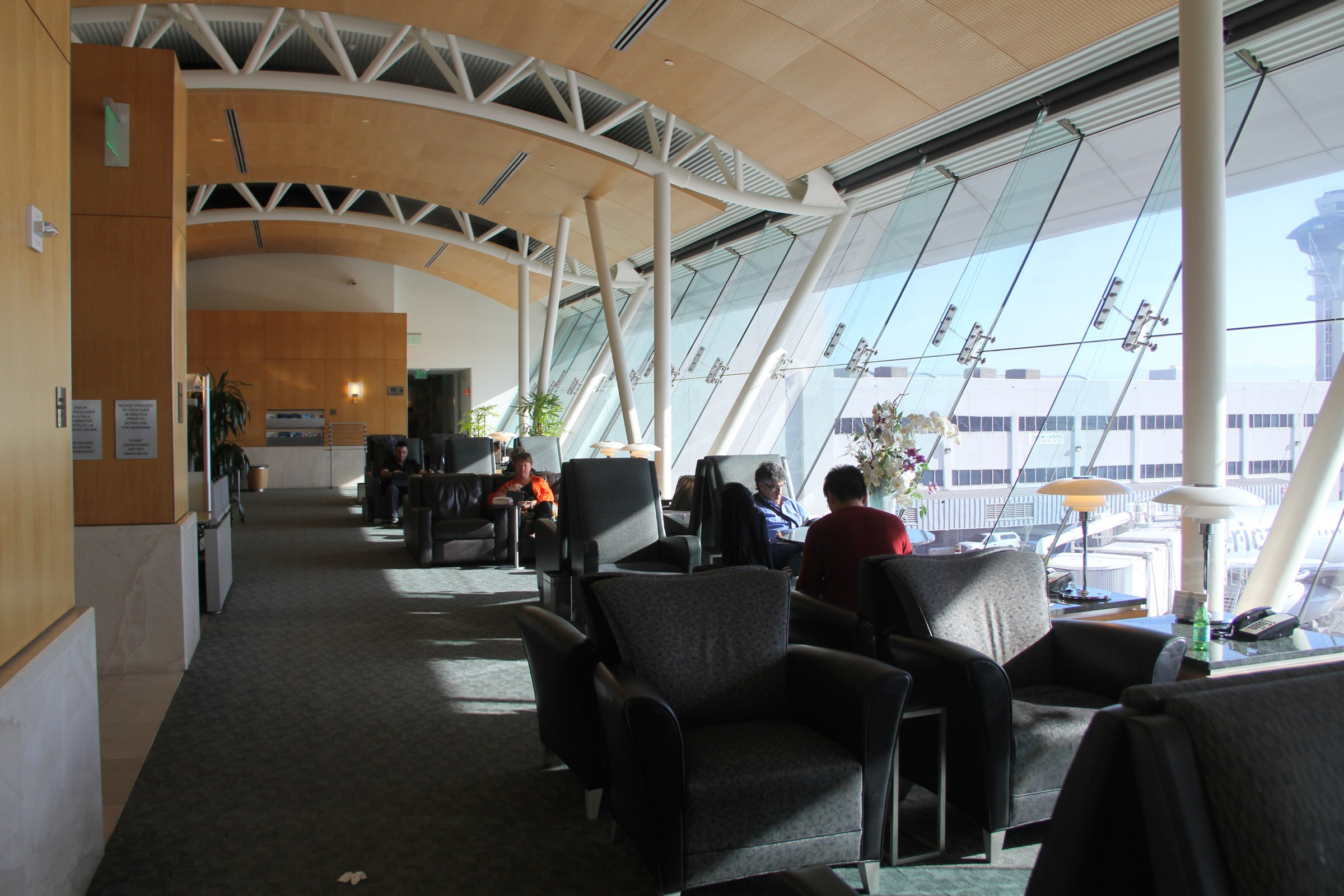 Seating AA Flagship Lounge Los Angeles