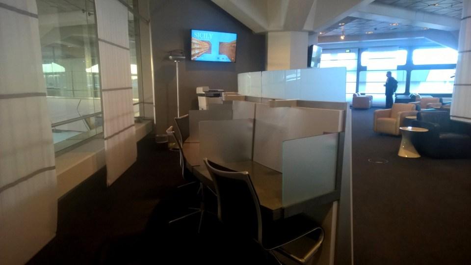 Lufthansa Business Lounge Berlin Working