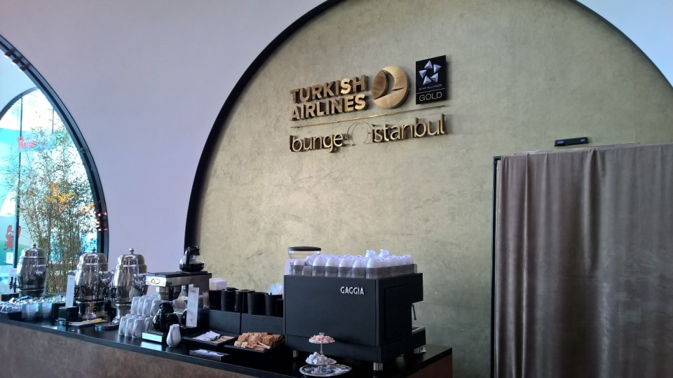 Buffet Turkish Airlines Lounge Istanbul