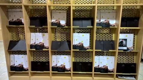 Iberia Lounge Paris Orly Magazines