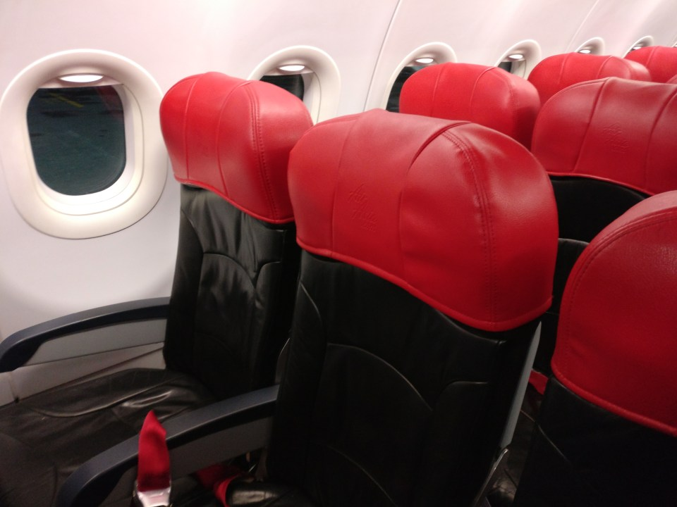 air-asia-airbus-a320-seating
