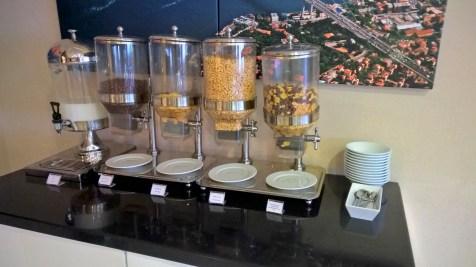 Hilton Graden Inn Istanbul Golden Horn Breakfast
