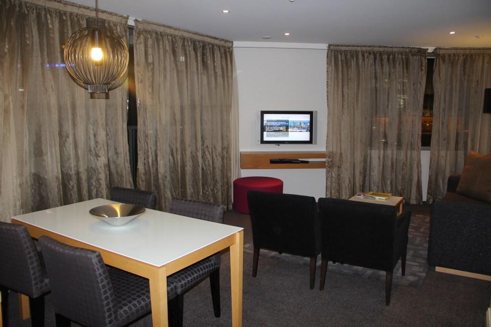 Quay West Suites Melbourne One Bedroom Suite