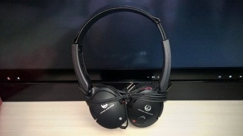 Japan Airlines Business Class Headphones