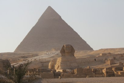pyramids-of-gizeh-with-sphinx-4