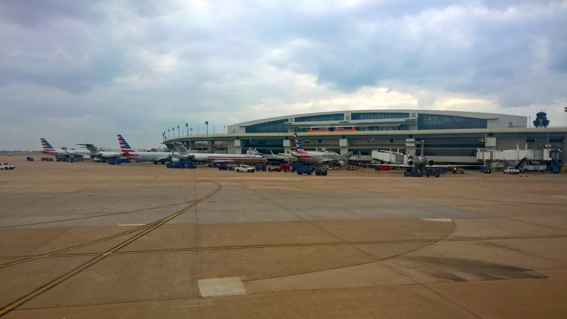 Terminal Dallas (DFW) Airport
