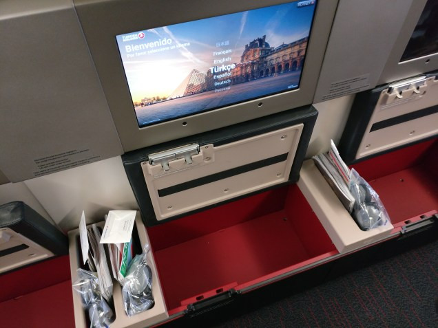 Turkish Airlines Business Class Boeing 777 Storage