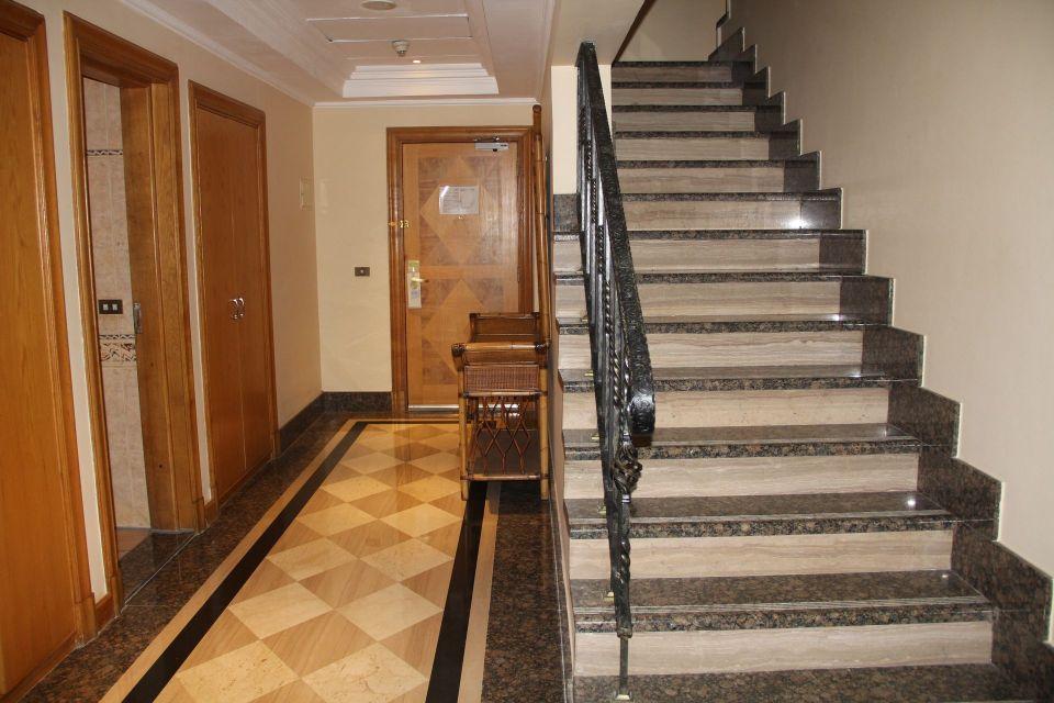 Hilton Pyramids Golf Resort Presidential Suite Entrance