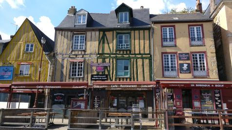 Old Town Place Saint Pierre Le Mans